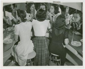 Las Hijas del Capitán - María Dueñas -Conoce a las hermanas Arenas